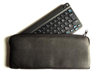 Newton Keyboardのケースにニンテンドーワイヤレスキーボードを入れてみる