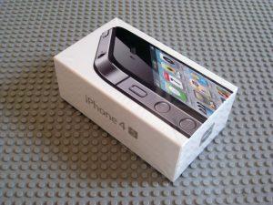 iPhone 4Sの箱