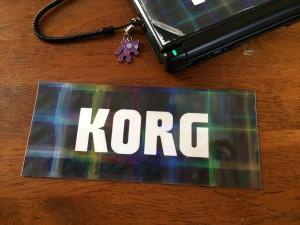 KORGのホログラムステッカーが3DS LLにぴったり