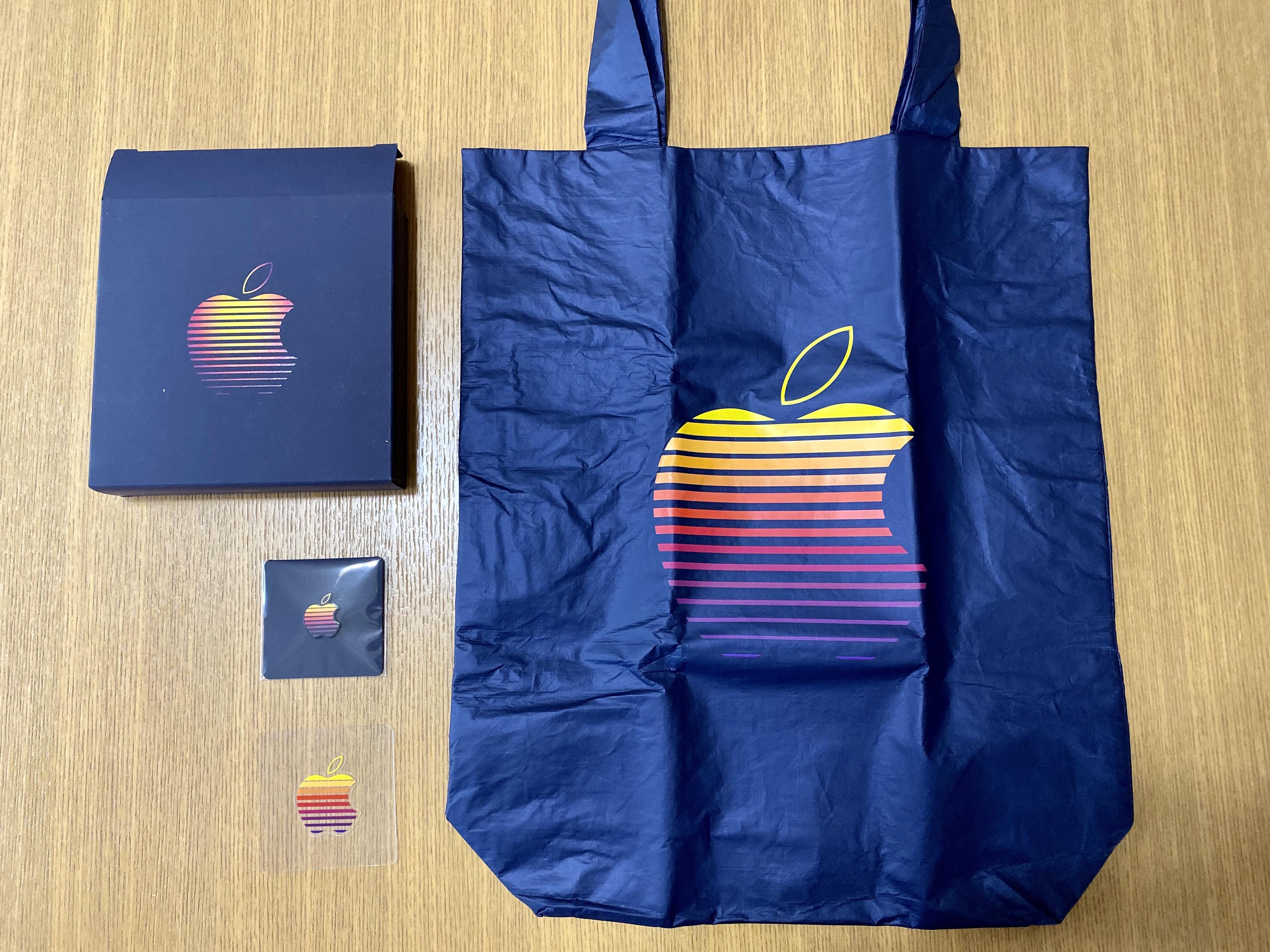 Apple福岡天神移転リニューアル記念のノベルティ